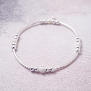 Sterling Silver Stretch Noodle Bracelet with Mother of Pearl Beads