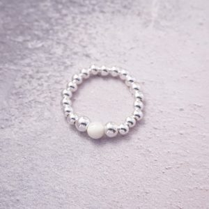 sterling silver ring with mother of pearl bead