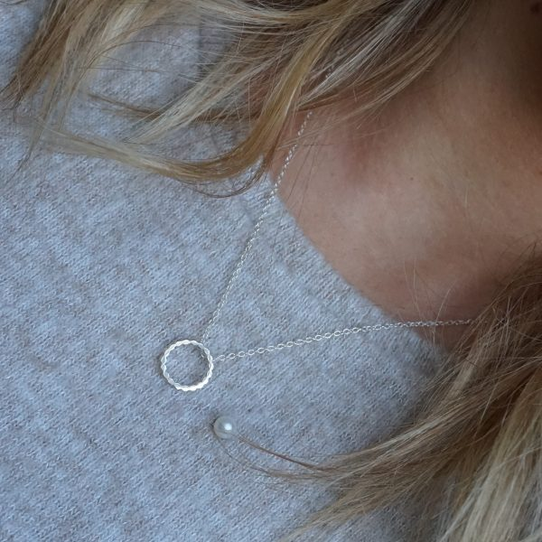 Sterling Silver Chain Circle Necklace