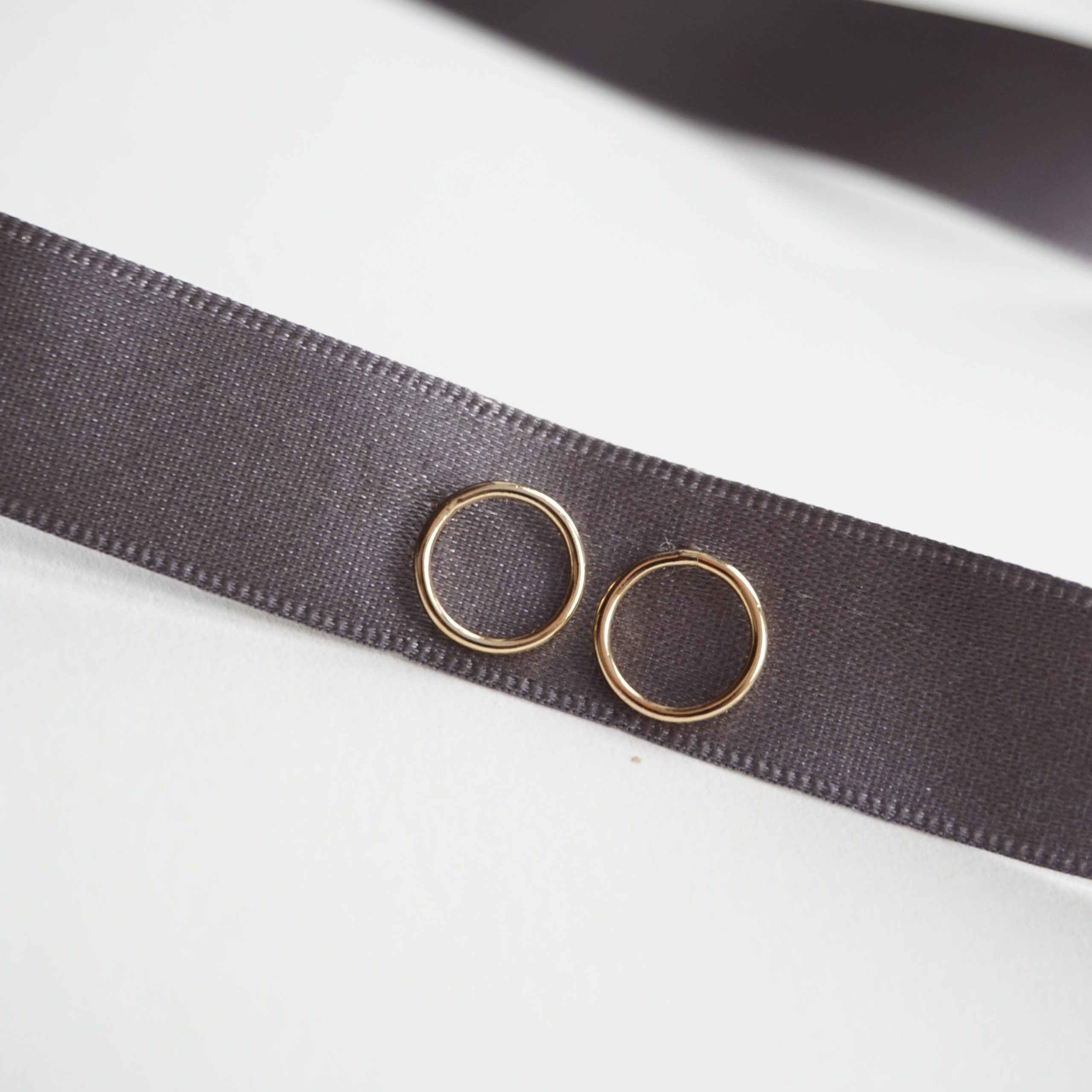 gold small circle stud earrings